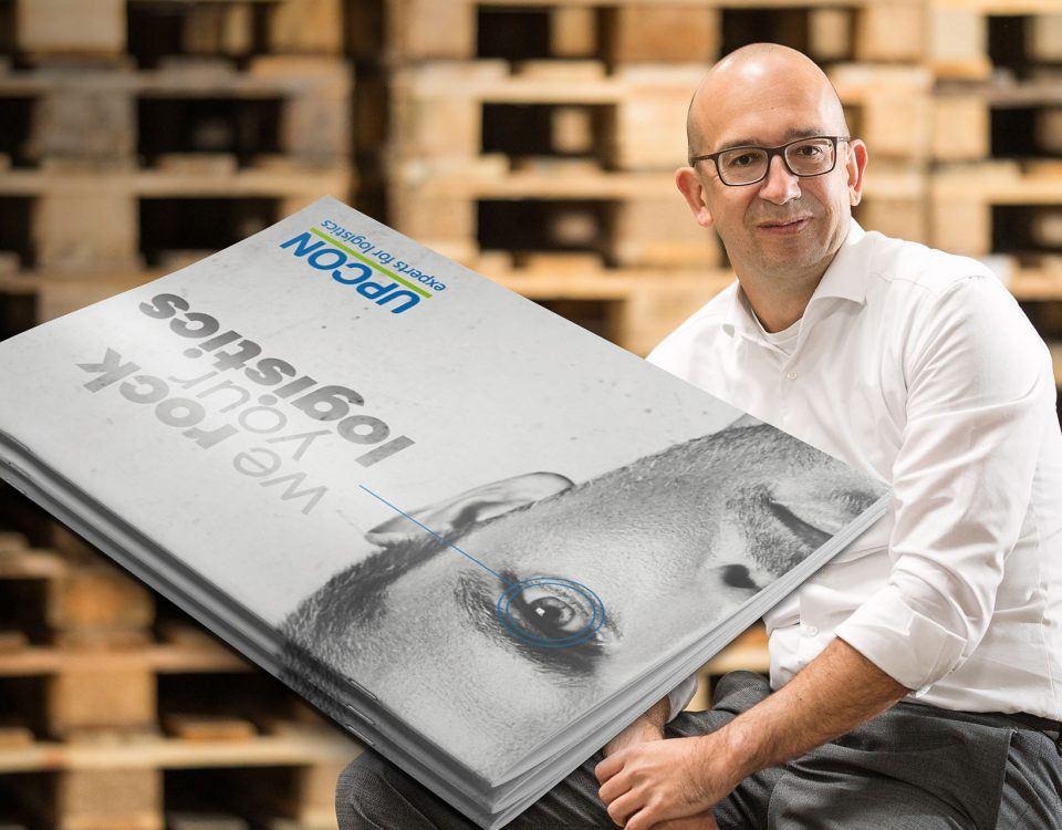 GF Patrick Umgeher von UPCON mit seinem neuen Folder
